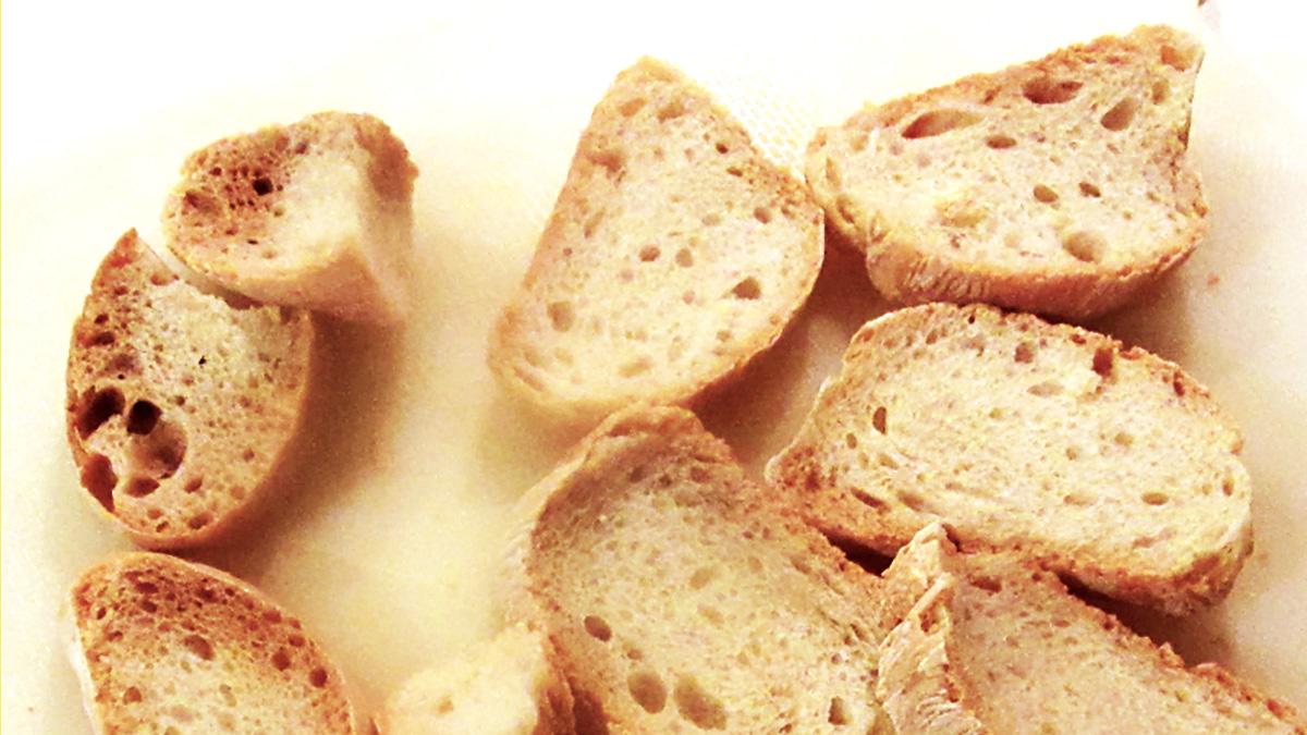 Seccare il pane al microonde