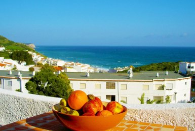 3-bedroom Apartment With Stunning Sea Views in salema for rent