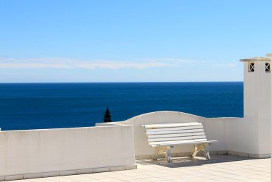 Fantastically-Priced Apartment with Stunning Sea View for rent