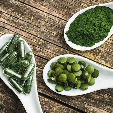 different kinds of green algae as pills