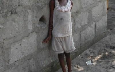 BRAZZAVILLE VS. KINSHASA (2/2): Calles de Kinshasa (y Escuelas Contra la Malaria, Fundación Recover)