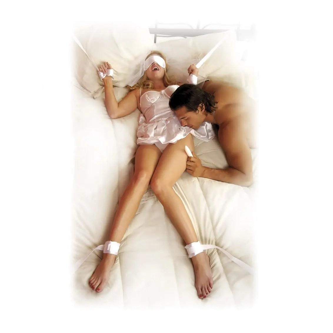 Fetish Fantasy Honeymoon Bondage Kit - White