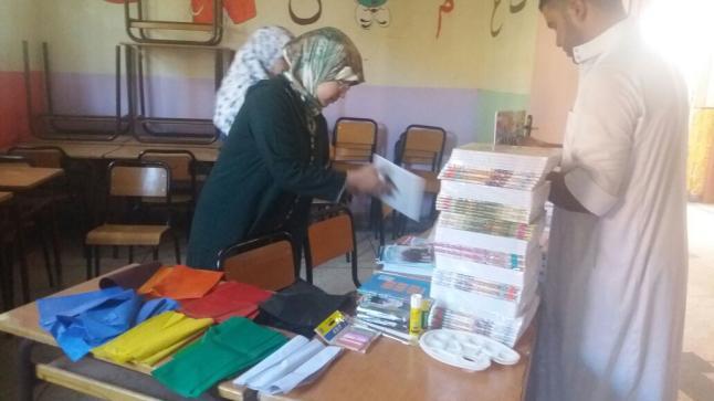 بمناسبة الدخول المدرسي: جمعية الحنان تقوم بتوزيع مجموعة من اللوازم المدرسية على أيتام الجمعية