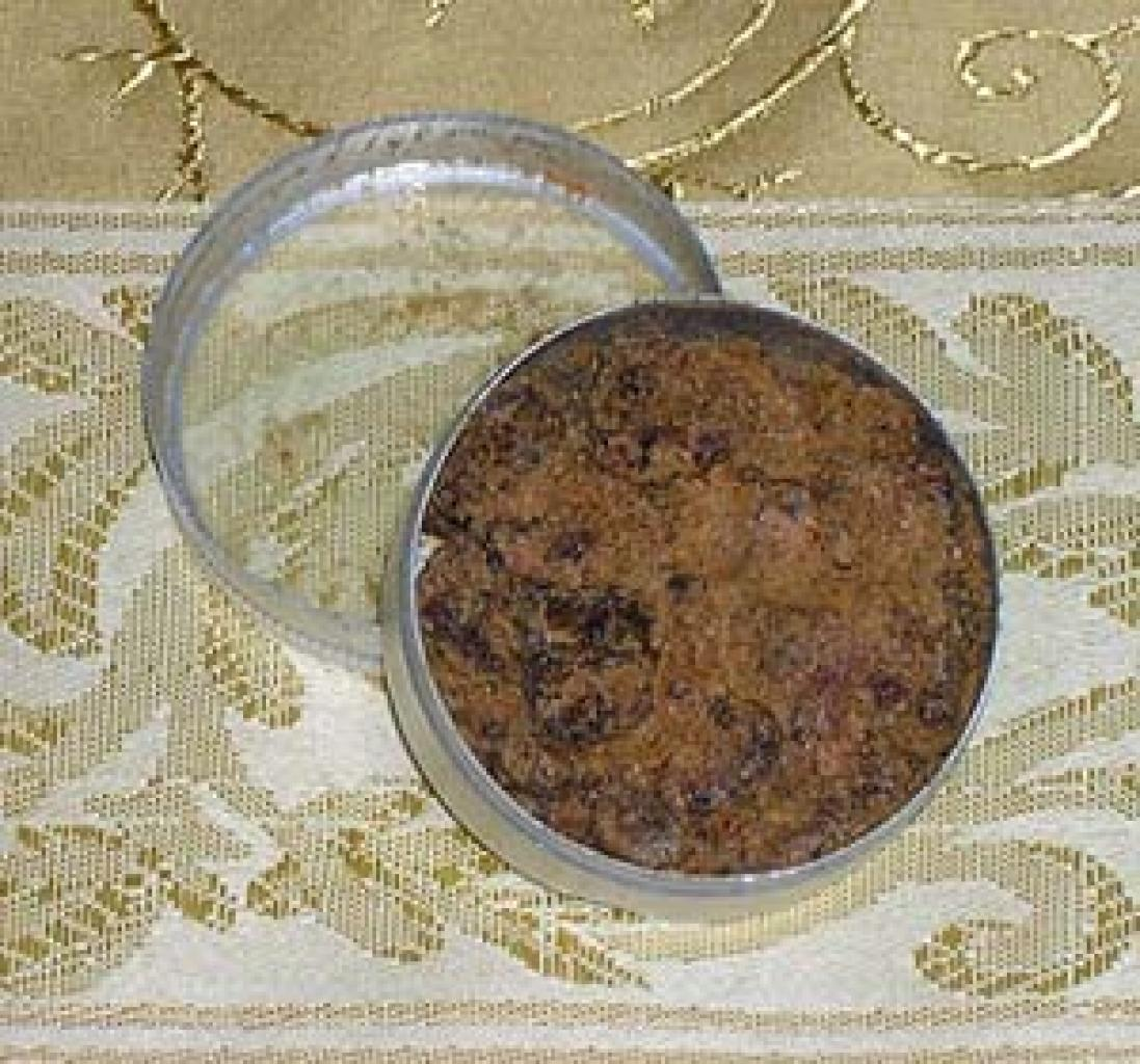 Tin of Authentic Indian Amber gi351