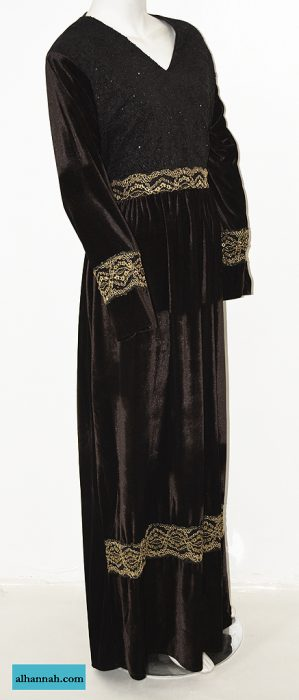 Embroidered Velvet Thobe th763