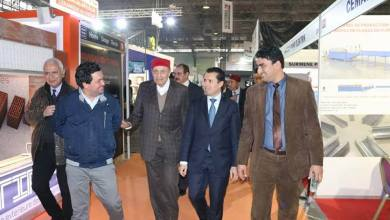 Photo of وزير الصناعة يطلع على أخر الابتكارات التكنولوجية في مجال التشيد والبناء