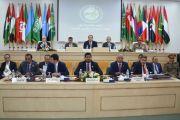 تكريم وزير الداخلية التونسي بإهدائه درع الأمانة العامة لمجلس وزراء الداخلية العرب