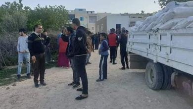 Photo of توزيع أكثر من 15 طن من السميد الغذائي والعجين الغذائي والفرينة بالعديد من مناطق ولاية صفاقس