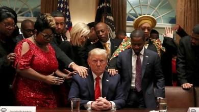 Photo of ترامب يدعو لفتح المساجد والكنائس فوراً ..نحتاج مزيداً من الصلاة لا أقل