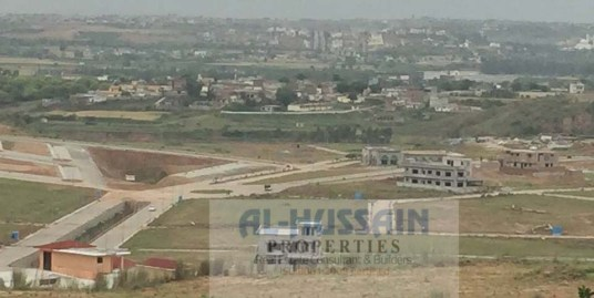 """1 kanal Plot is Available for Sale in D.H.A ,Phase 5 .Sector """"G""""Street#09"""
