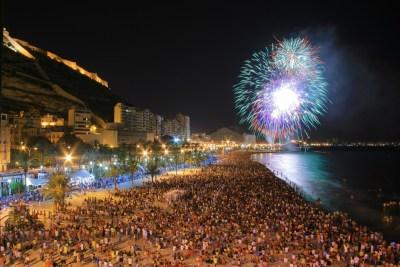 Fuegos en la Playa de San Juan. Autor Borja Lopez