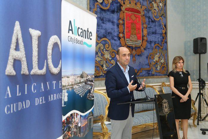 El Patronato Municipal de Turismo y Playas refuerza su plan de promoción y prevé la asistencia a más de 30 ferias y eventos en 2018