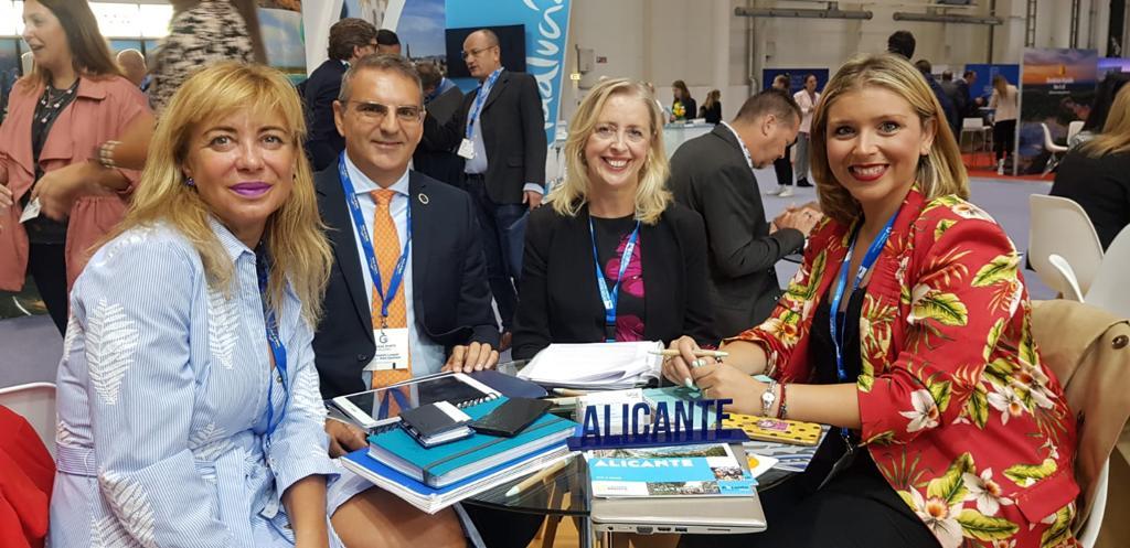 La vicealcaldesa y edil de Turismo, Mari Carmen Sánchez, promociona Alicante como puerto de cruceros en laFeria Internacional de Turismo de CrucerosSeaTrade en Hamburgo