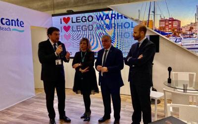 El Ayuntamiento presenta en FITUR sus exposiciones estrella para La Lonja en 2020 dedicadas a Lego y a Andy Warhol