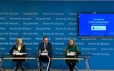Mari Carmen Sánchez aboga por convertir Alicante en puerto base en la primera Jornada de Tour Operadores de cruceros de Alicante