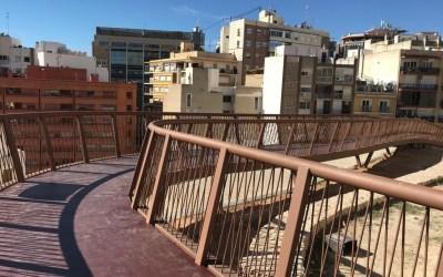 Alicante cuenta ya con una nueva pasarela peatonal para hacer accesible el emblemático barrio de Santa Cruz