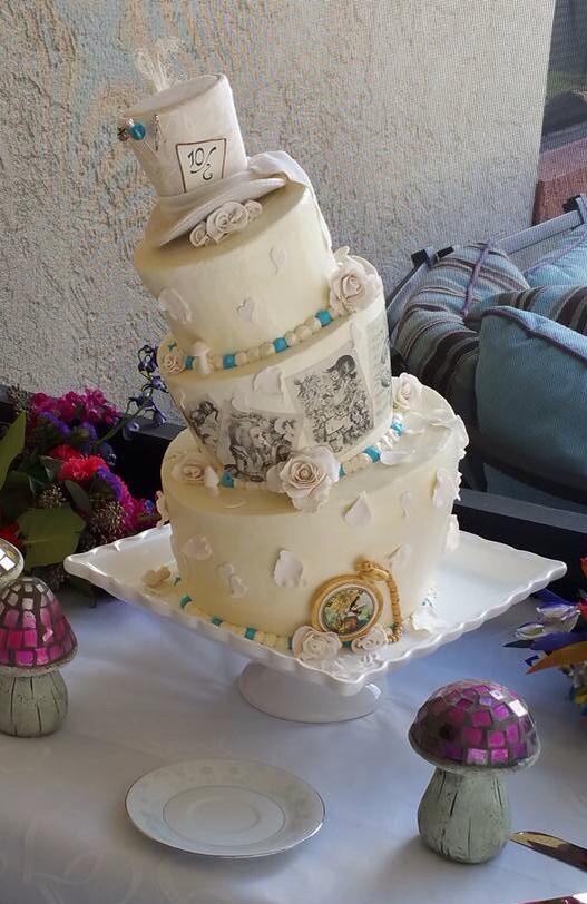 Gorgeous Alice in Wonderland cakes  AliceinWonderlandnet blog