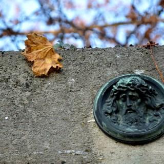 Friedhof Arnstadt - Jesusmedallion