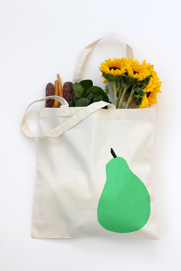 Make this simple pear bag using freezer paper for the stencil!