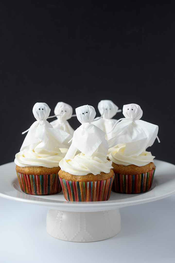 A super ghoulish way to top your Halloween cupcakes this year.
