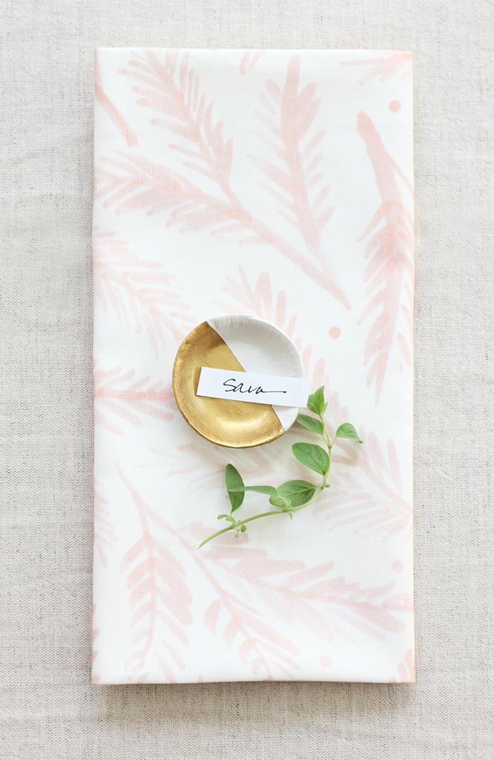 DIY Clay Bowl Place Card Holders | alice & lois