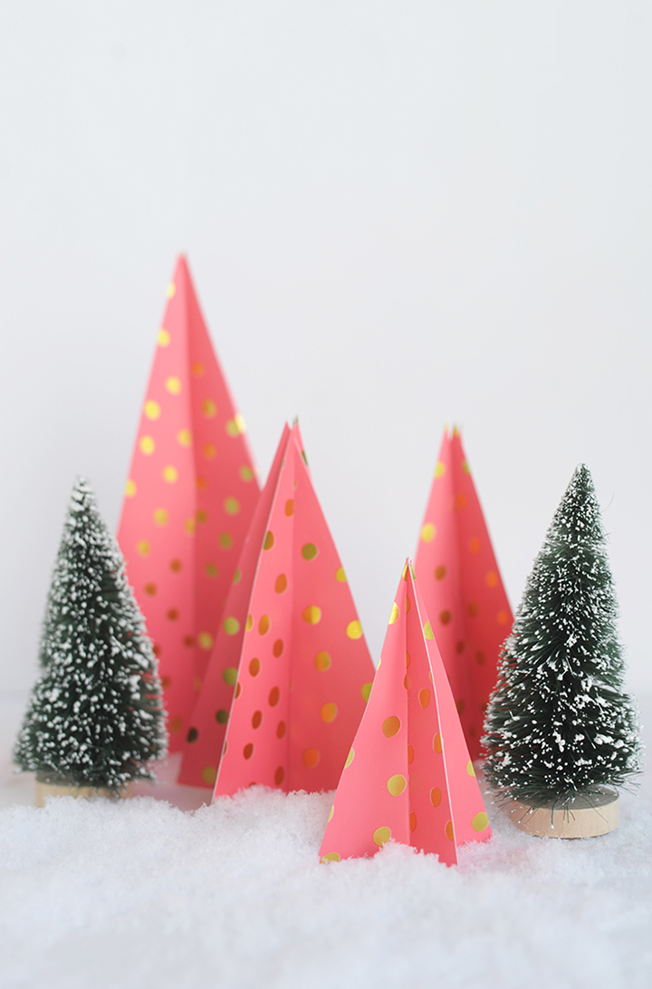 Make these modern DIY Paper Christmas Trees