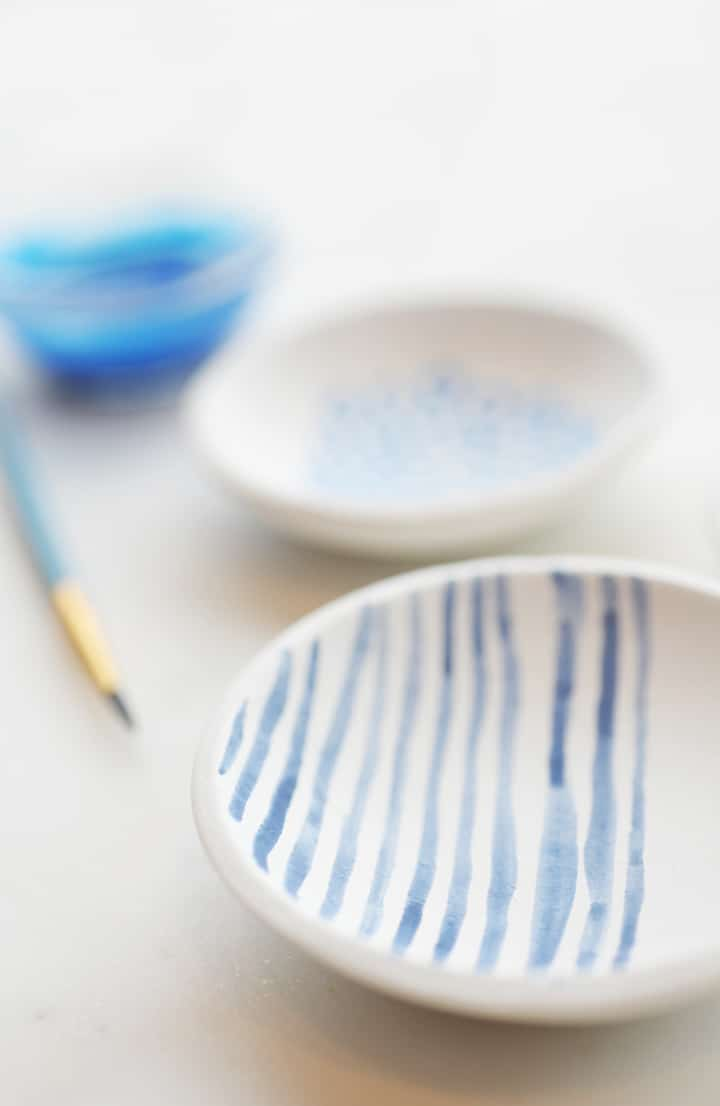 Click here for a detailed tutorial for the air dry clay bowls.