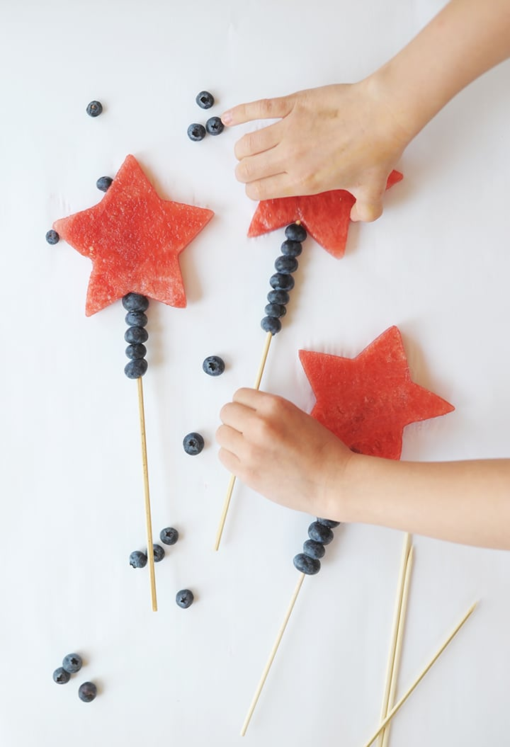 Make these Fourth of July Watermelon Wands with the kids this July 4!