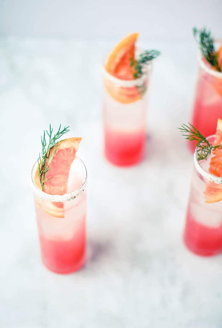 Here's our list of our favorite 20 summer cocktails – it's what you should be drinking this summer!