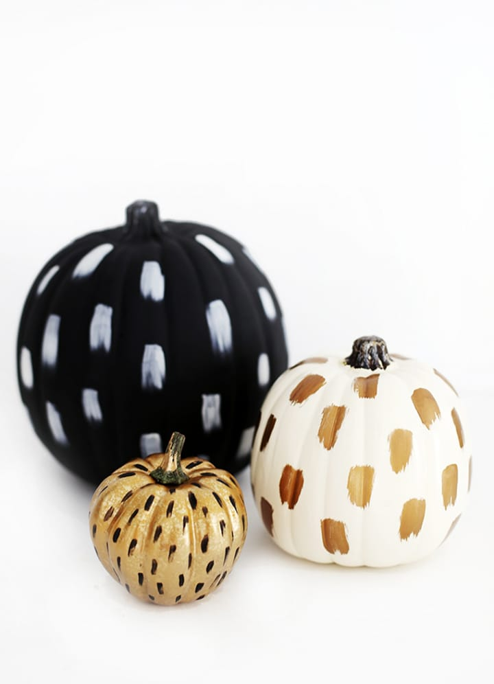20 Favorite ways to get ready for Halloween with easy no-carve pumpkin ideas.