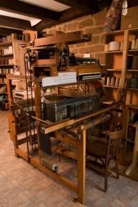 métier à tisser mécanique 24 cadres Alice Heit atelier