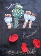 """Tablier """"Pavot"""" de la collection textile """"Babayaga"""", Alice Heit et Enora Rouillé."""
