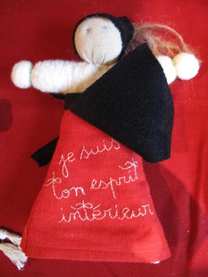 La petite poupée dans la poche du tablier de Vassilissa...