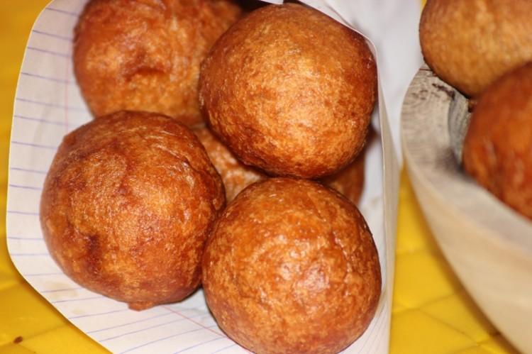 Beignets de farine recette camerounaise  Alice Pgie
