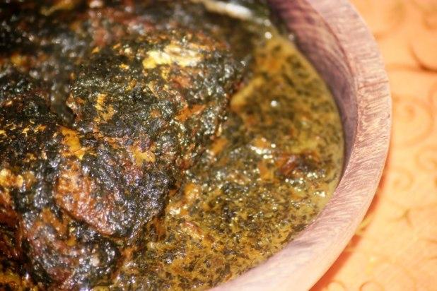 Mouloukhié au Poisson (sauce aux feuilles de gombo - kelenkelen au Cameroun)