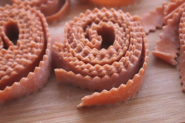 pâte fraîches longues à la tomate