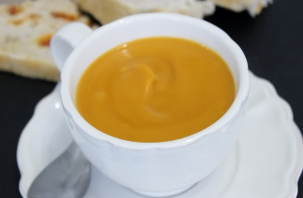 velouté de patates douces au lait de coco et curry