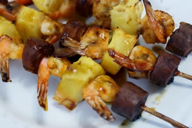 Brochettes d'Ananas, Crevettes & Chorizo
