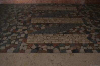 Teatro Rivoli | Valdagno (VI - Italia) : particolare pavimentazione ingresso