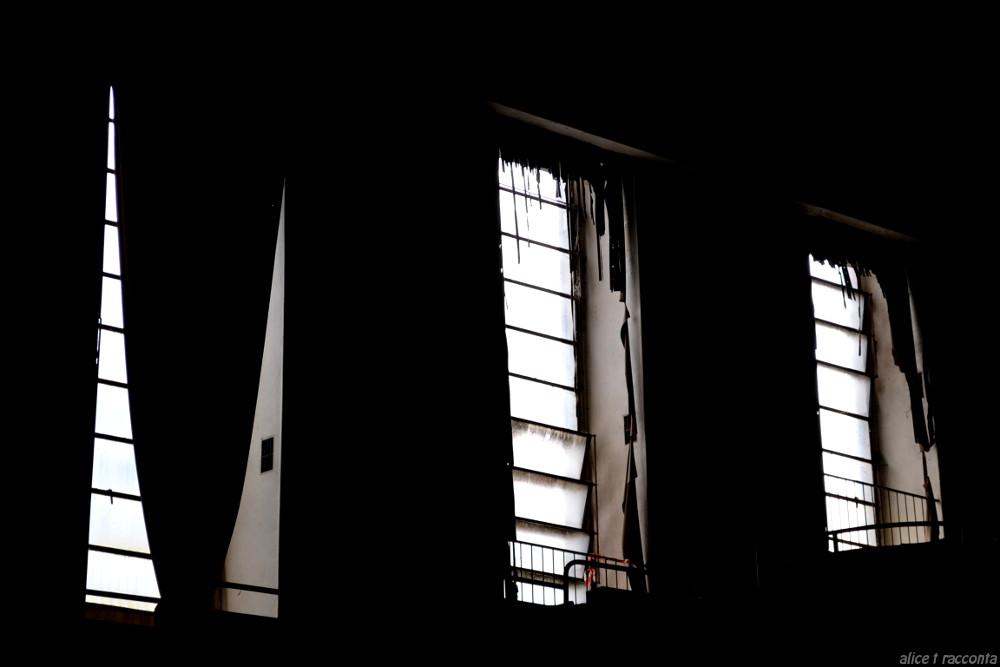 Teatro Rivoli | Valdagno (VI - Italia) : particolare finestre