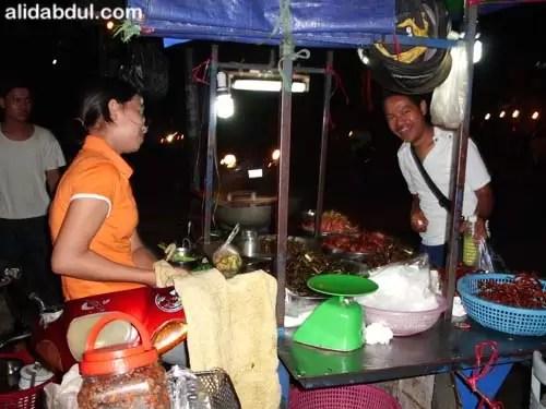 Jajan Jangkrik di Kamboja