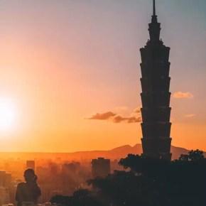 Sunset in Xiangshan Taipei 8