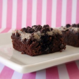 mint cookies 'n cream brownies {Alida's Kitchen}