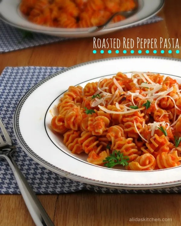 Roasted Red Pepper Pasta | alidaskitchen.com