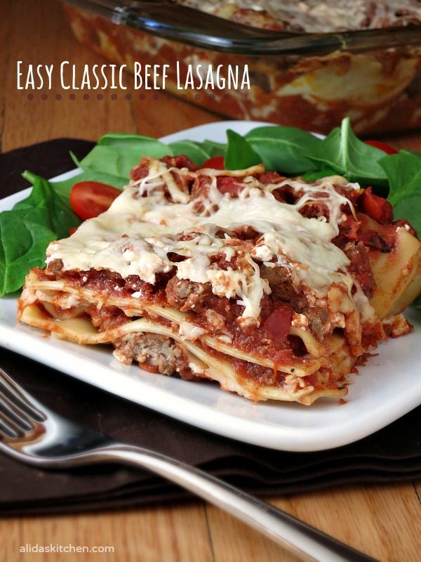 Mom's Lasagna | an easy recipe for a classic beef lasagna | alidaskitchen.com #recipes #SundaySupper