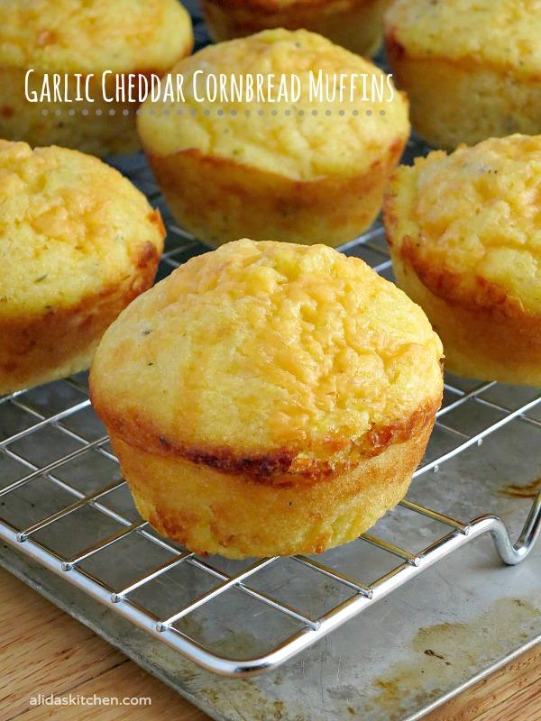 Garlic Cheddar Cornbread Muffins | alidaskitchen.com
