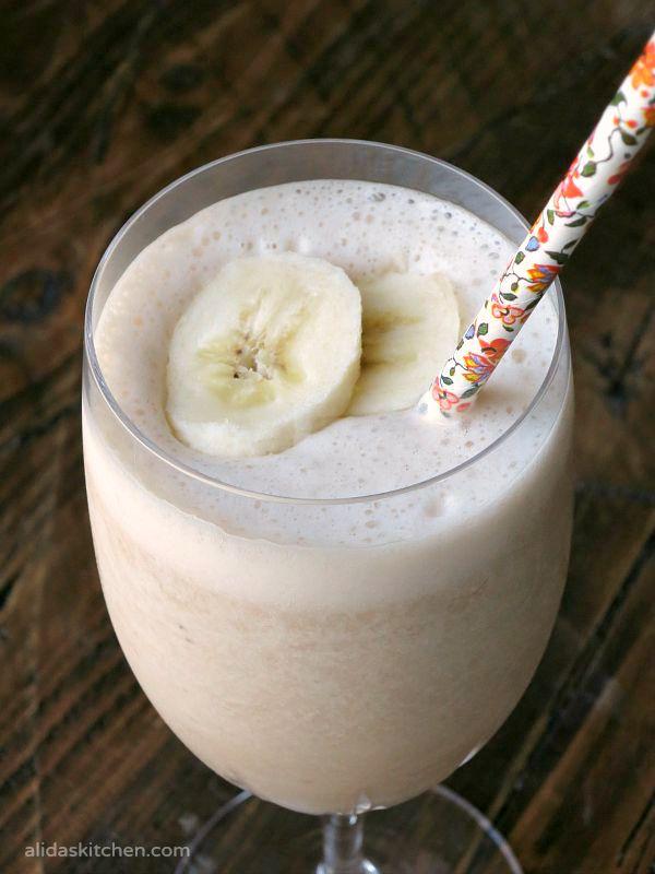 Chocolate Banana Smoothie | alidaskitchen.com
