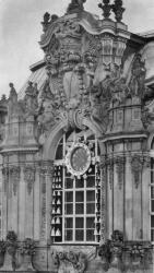 Meissen chime at the Zwinger