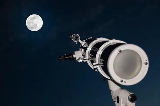 Astronomy equipment reflector telescope