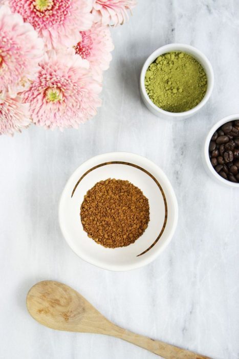 DIY instant coffee face mask